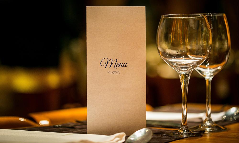 Menu da tavolo per la cena di gala