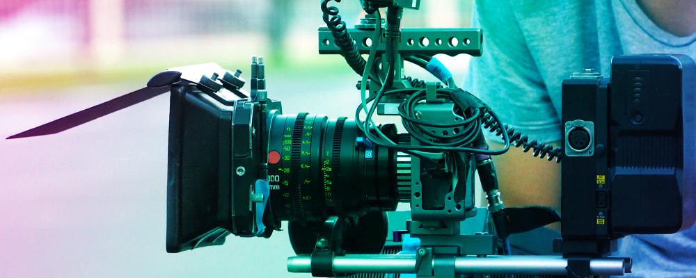 camera di regista che riprende sul set