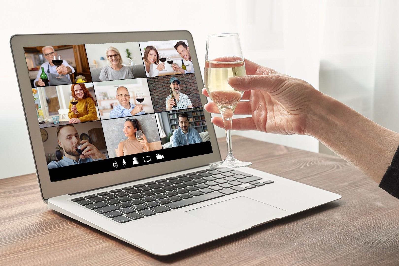 Videochiamata di gruppo per aperitivo virtuale