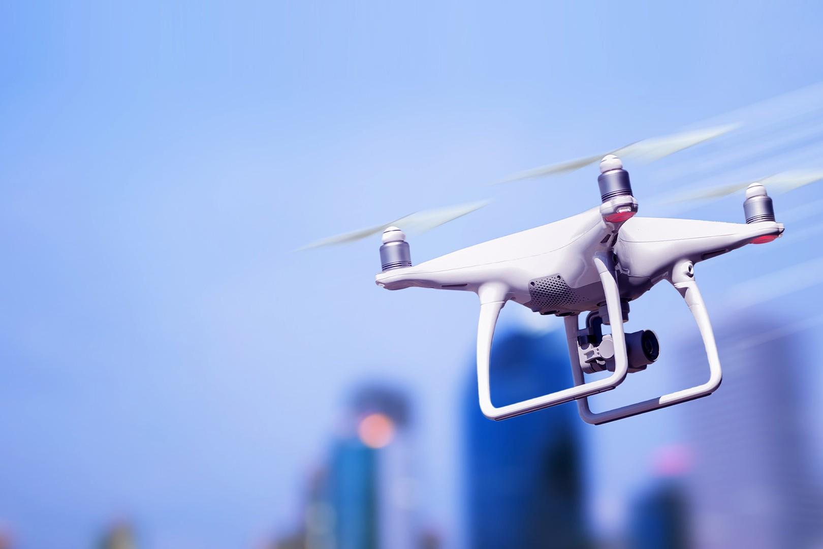 Drone sopra la città